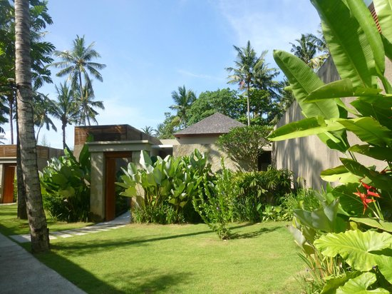 Candi Beach Resort & Spa: front of villa