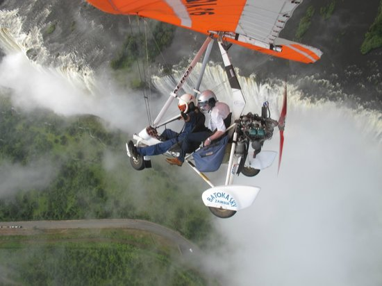 The David Livingstone Safari Lodge & Spa : 1,500 feet above the falls, do it!