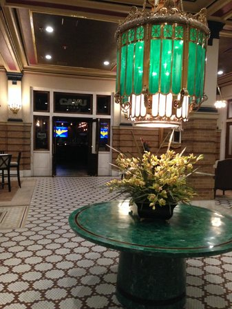 Pensacola Grand Hotel: Beautiful lobby -- historic charm