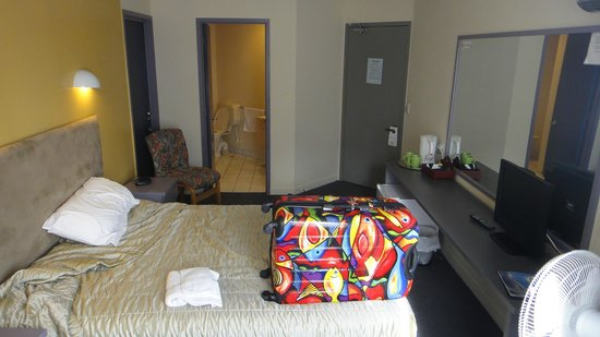 Auckland Airport Kiwi Hotel: room 224 my 2nd visit