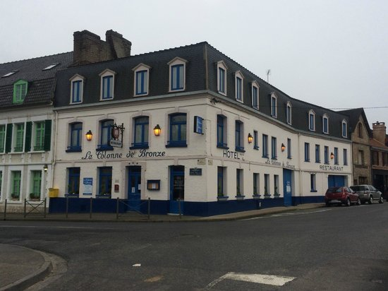La Colonne de Bronze : Vue de l'hôtel