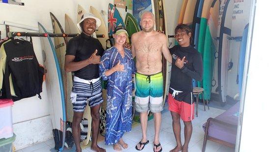 Newbro Surfing: Lena, Lauren, Odinn & Robot