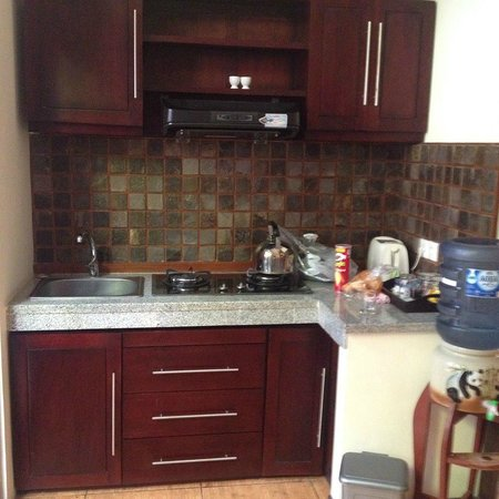 Rumah Santai Villas: Villa 103 Kitchen