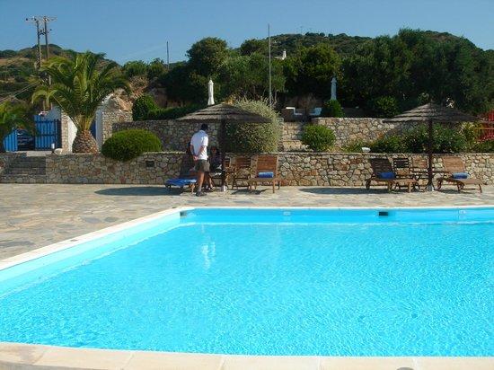 El Sol Hotel : poolside