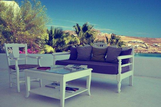 Pietra E Mare: Our favourite spot - the reception lounge