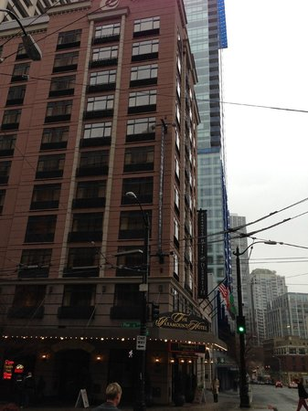 The Paramount Hotel: ホテル外観