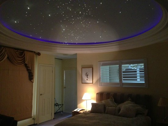 Beach Manor Bed and Breakfast Perth: Ocean view suite with dome and fibre optic stars