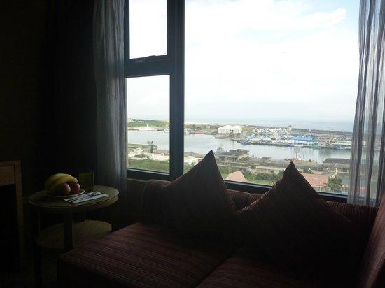 Fullon Hotel Hualien: 海と近場の別荘?が見えます