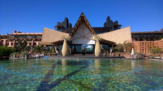 Lopesan Baobab Resort : The warmest pool