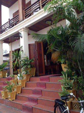 Namsok Hotel: Entrance