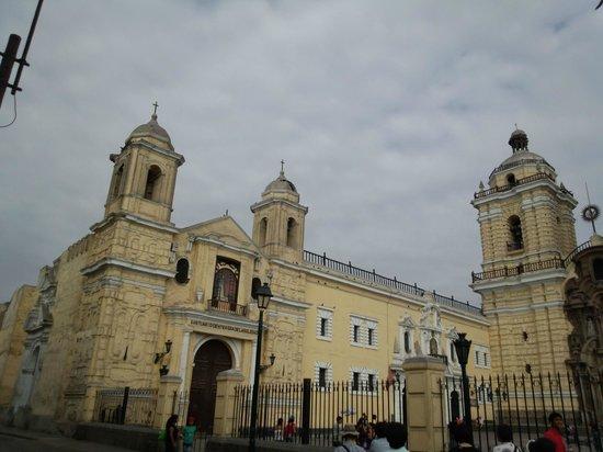 Iglesia y Convento de San Francisco : 教会