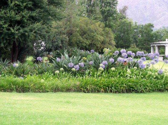 Huguenot Memorial Museum: Les jardins