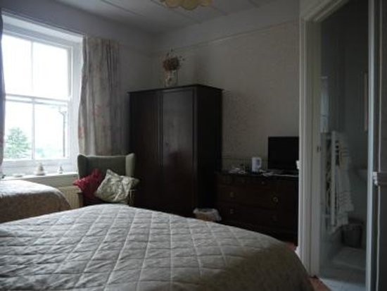 B&B at the Fieldings: Bedroom One, Fully En Suite