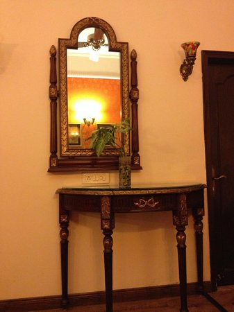WelcomHeritage Noor-Us-Sabah Palace: View of the room (3)