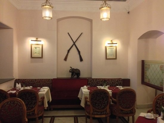 WelcomHeritage Noor-Us-Sabah Palace : Another display of weaponry
