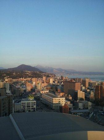 Hotel Nikko Oita Oasis Tower : 別府方向の景色