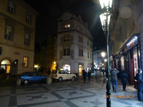 Aurus: front of hotel