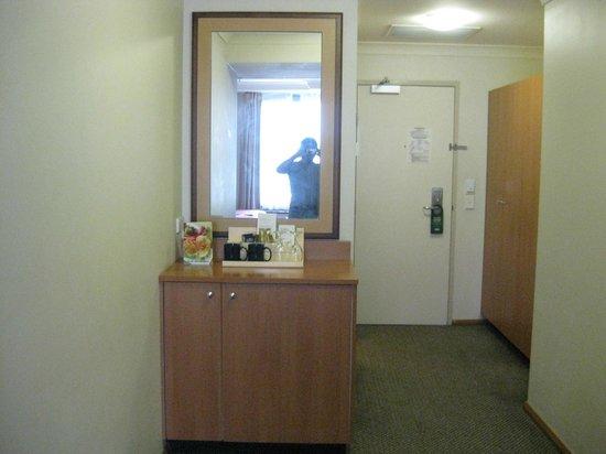 Holiday Inn Darling Harbour: Room