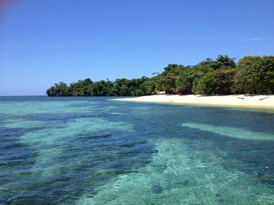 Siladen Resort & Spa: spiaggia