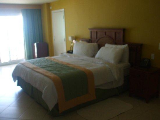 Sonesta Great Bay Beach Resort, Casino & Spa: jr king suite