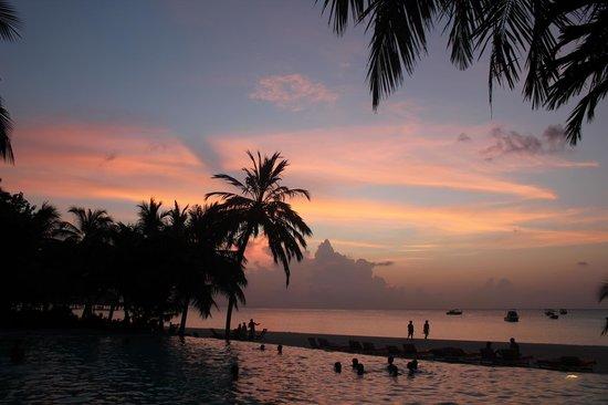 Club Med Kani: 夕陽