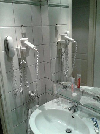 Flisvos Royal Hotel: Bathroom