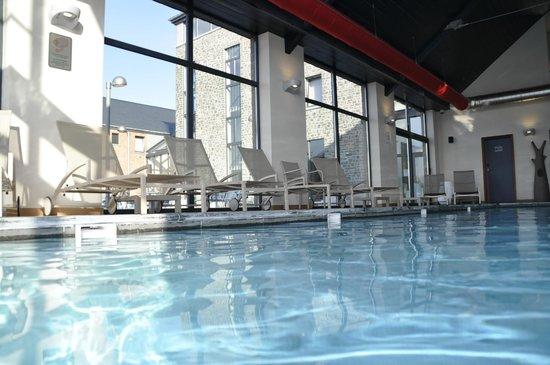 Azur en Ardenne : piscine