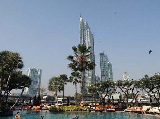Shangri-La Hotel,Bangkok: River View & Pool