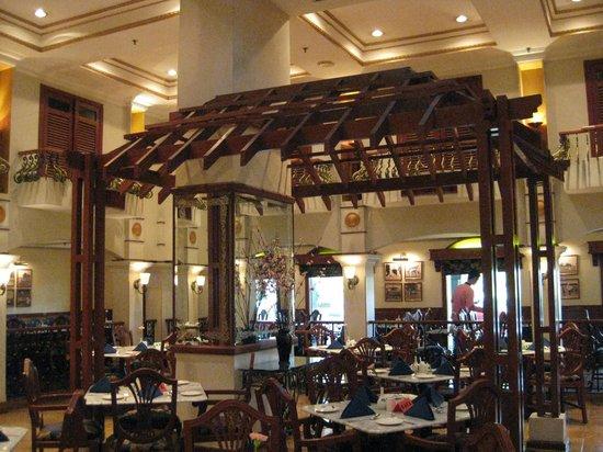 Merdeka Palace Hotel & Suites: Breakfast