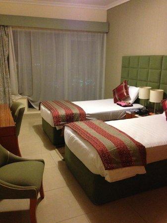 Al Salam Hotel Suites: une des trois chambres