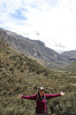 Llanganuco Mountain Lodge: Some of the spectacular scenery nearby