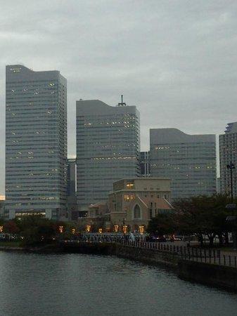 Queen's Square Yokohama: 建物三つ!
