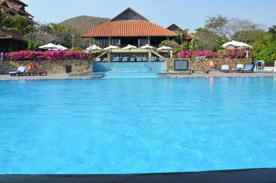 Romana Resort & Spa: The view of restaurant from the swimming pool