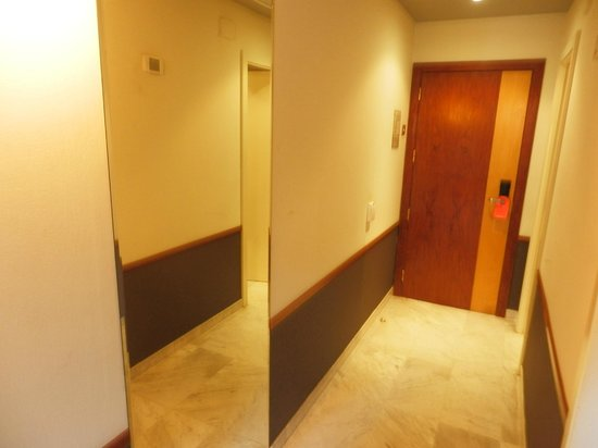 Onix Fira Hotel : Hall on the own floor