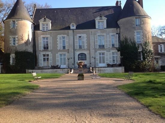 Chateau de Pray : le chateau vu du parc