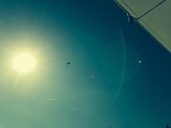 Sonnenhotel Zaubek: Der Blick vom Balkon in den Himmel