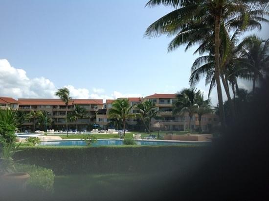 Villas Del Mar: short walk to pool from C-105