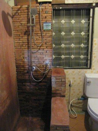 Tamarind : bathroom