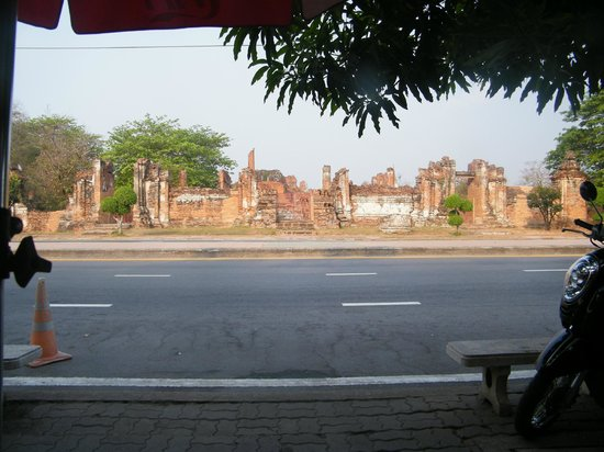Tamarind : ruins across the road