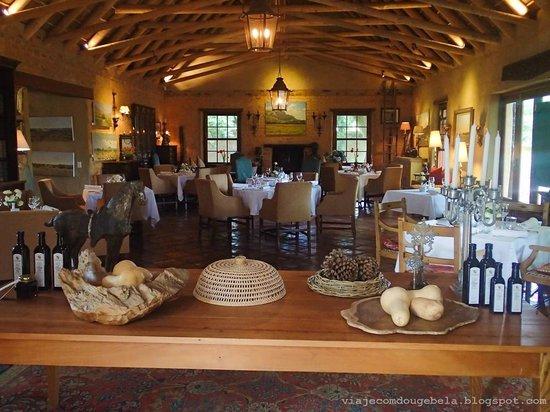 La Petite Dauphine: Dinner room: very nice and cozy