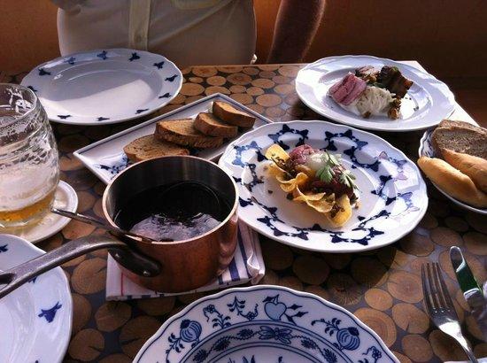 Cestr: lovely food