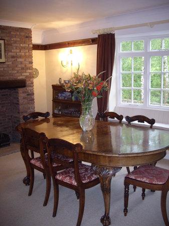 Broomshaw Hill Farm: Dining room