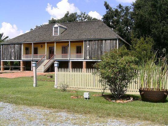 Laura Plantation: Louisiana's Creole Heritage Site: A building in the plantation