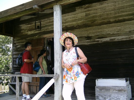 Laura Plantation: Louisiana's Creole Heritage Site: Wife in the balcony of the Laura plantation office
