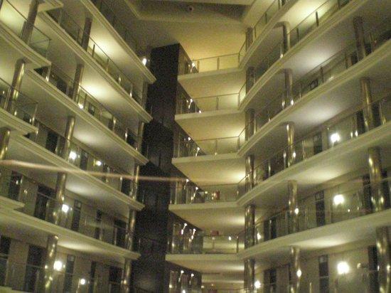 Hotel Attica 21: lindo átrio