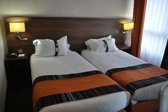 Holiday Inn Paris Montmartre: Zimmer