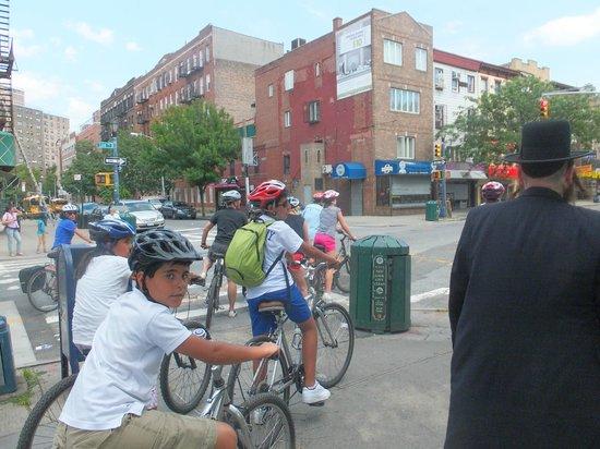 Bike the Big Apple : En el Brooklyn judío