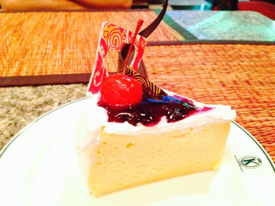 Krungsri River Hotel : Cheesecake is delicious!