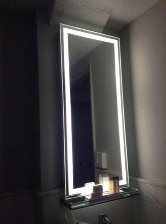 Row NYC Hotel: fab mirror
