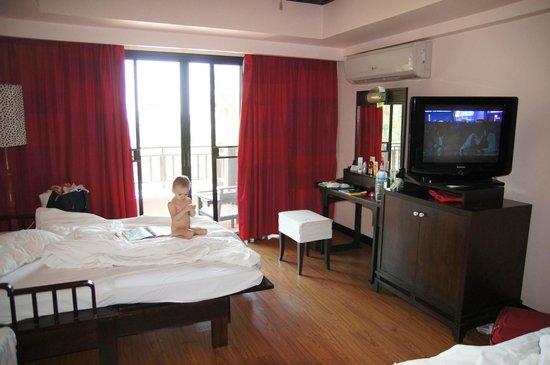 Krabi Cha-Da Resort : Номер достаточно большой